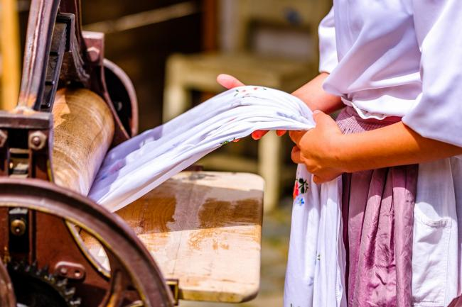 n An old mangle for clothes					Picture courtesy of Getty Images