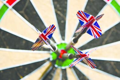 Four players go through in singles darts competition